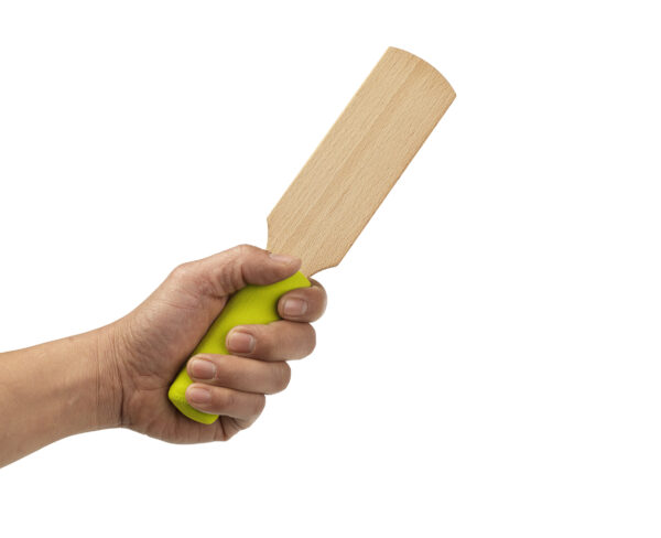 small clay paddle_hand (1)